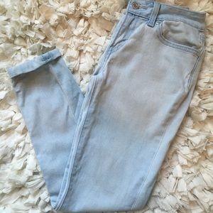 light levi capri jeans
